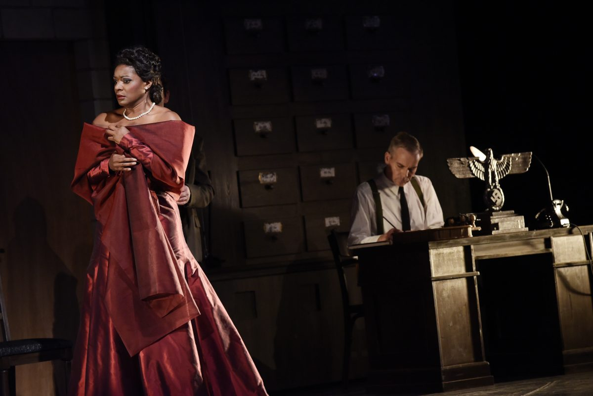 "Elizabeth Llewellyn als ""Tosca"". Foto: Theater Magdeburg/Nilz Böhme"
