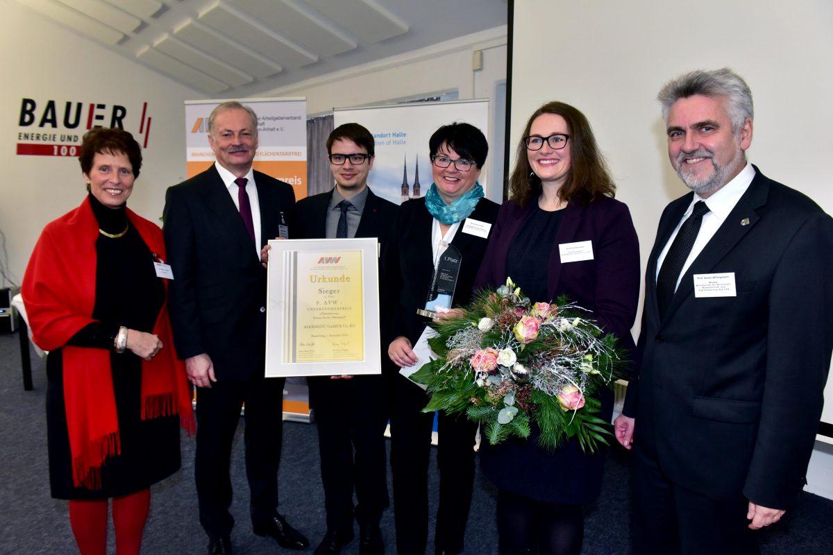 Vier mittelständische Unternehmen aus Sachsen-Anhalt erhielten in Halle den AVW-Unternehmerpreis 2016. Foto: AVW